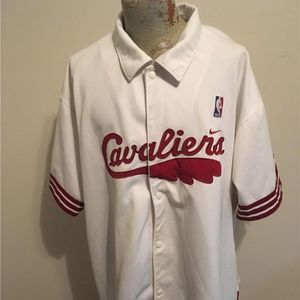 NIKE  Cleveland Cavaliers White Snap Front Jacket